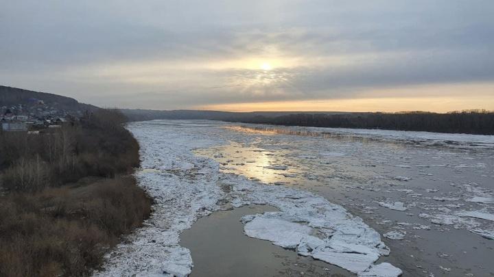 В Кемерово на Томи начался ледоход. Синоптики рассказали, как долго он продлится