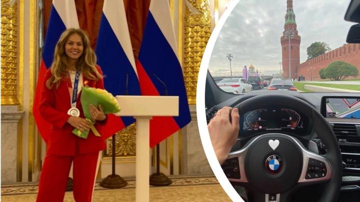 Тхэквондистке из Челябинска, завоевавшей серебро на Олимпиаде в Токио, вручили ключи от BMW