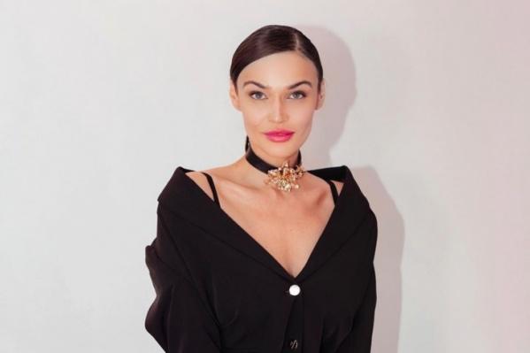 Водонаева в Тюмени окончила госуниверситет, а затем принимала участие в шоу «Дом-2»