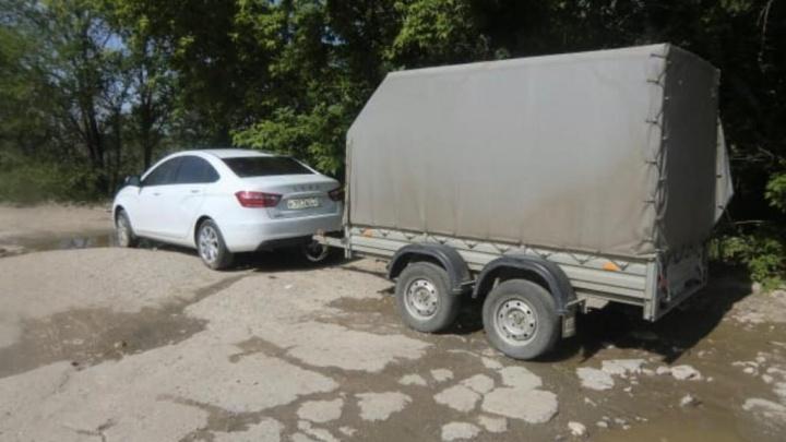 В Волгограде на оптовой базе найдены мертвыми 31-летний мужчина и 16-летняя девушка
