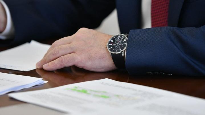 У мэра Екатеринбурга Алексея Орлова заметили часы за 500 тысяч рублей
