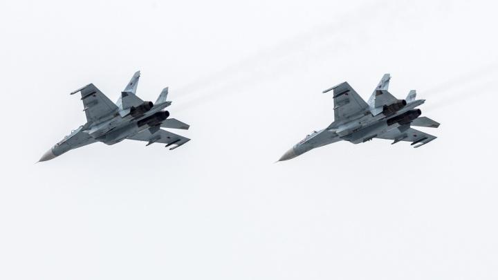 Отказало кислородное оборудование: в небе над Волгоградом произошло ЧП с боевым истребителем ВКС