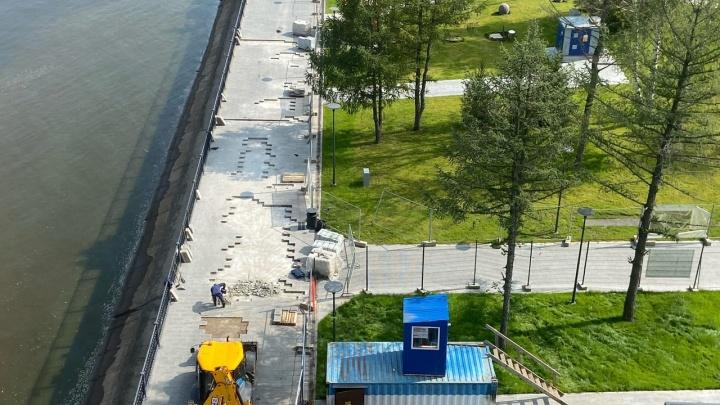 Не погуляли и двух месяцев: разбираемся, почему новую часть набережной Камы в Перми вновь закрыли на ремонт