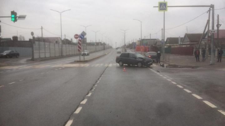 В Волгограде торопящаяся женщина отправила в больницу годовалую девочку: видео