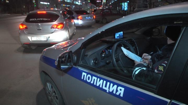 В Екатеринбурге сотрудники ГИБДД устроили охоту за любителями тонировки