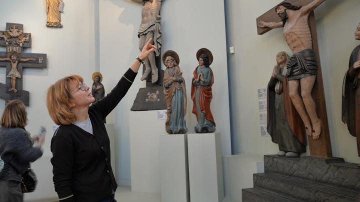 Канал «Культура» и телеведущая Фёкла Толстая сняли сюжет о PERMM и побывали в художественной галерее
