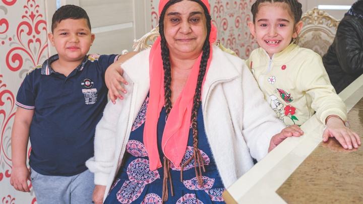 Репортаж из цыганского табора. Как живут современные ромалы— почему не гадают и не кочуют, но детей сватают с пеленок