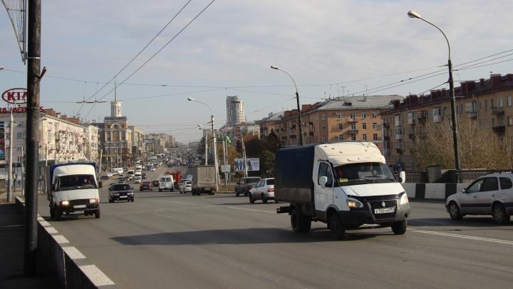 На Ленинградской площади в Омске установят 9 камер против гонщиков