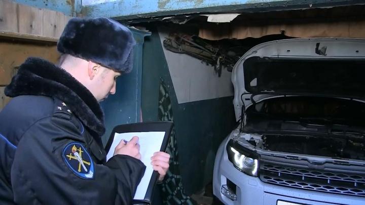 В Екатеринбурге полицейские проверили десятки авторынков и стоянок в поисках угнанных машин