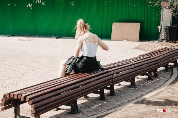 От наркомании страдают и подростки. В прошлом году базу зависимых пополнил один несовершеннолетний. Но отравлений веществами в этой возрастной категории было пять