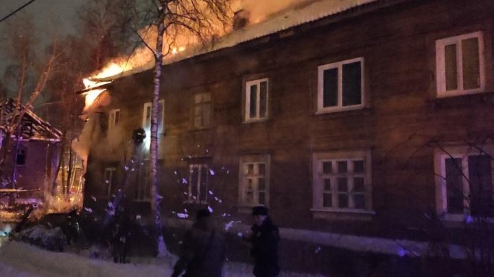 Погорельцам из переулка Водников в Архангельске предложили маневренное жилье