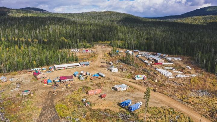 Эколог рассказал, как золотодобытчики загрязняют реки на юге Красноярского края