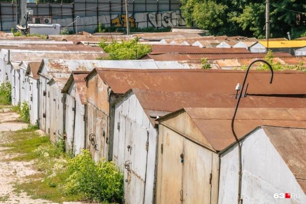 Демонтировать гаражи собственники должны за свой счет