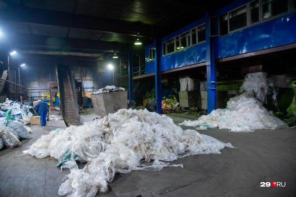 АМПК собирается убрать свои контейнеры из-за конфликта с регоператором