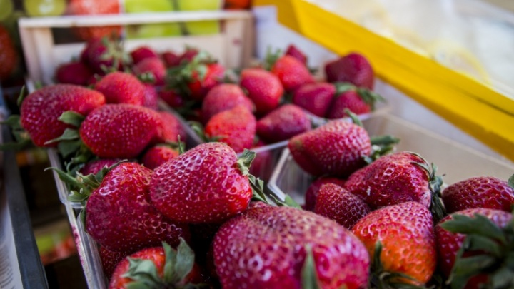 Закрываем сезон клубники. Что сделать сейчас, чтобы следующим летом собрать огромный урожай сладких ягод