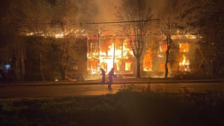 В Екатеринбурге задержали пиромана, который вместе с подельниками поджигал бараки