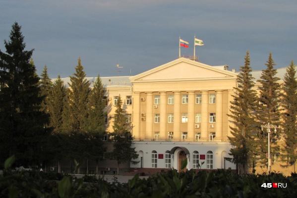 К концу этого года госдолг Зауралья уменьшится до 16,1 миллиарда рублей, говорит Вадим Шумков