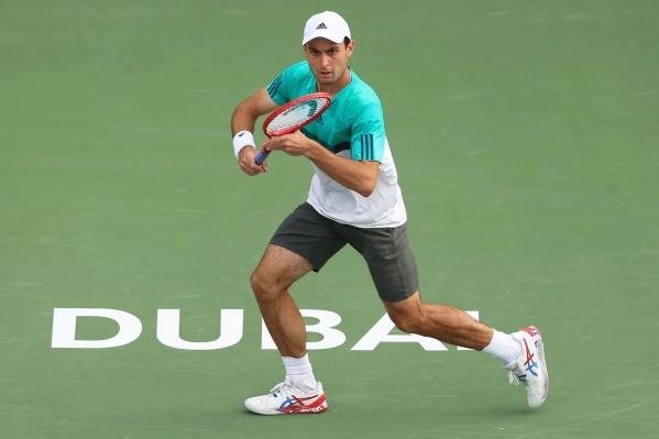 Карацев играет в теннис с ранних лет