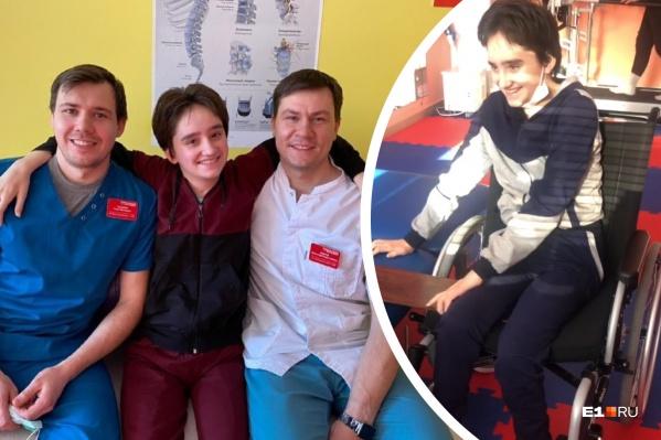 Катя родом из Магнитогорска, но восстановление проходила в Екатеринбурге, куда ее доставили на вертолете