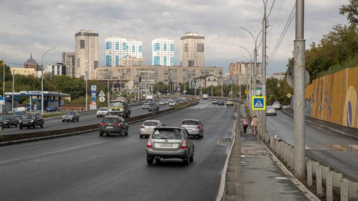 Первый капремонт за 14 лет: в Новосибирске привели в порядок часть Ипподромской магистрали