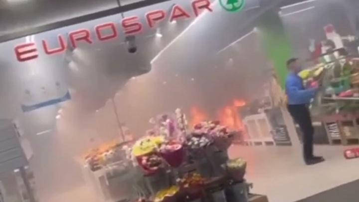 В супермаркете EUROSPAR в Автозаводском районе произошел пожар
