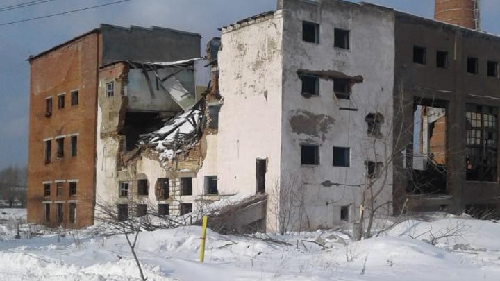 Следователи раскрыли подробности обрушения кровли в поселке на Урале
