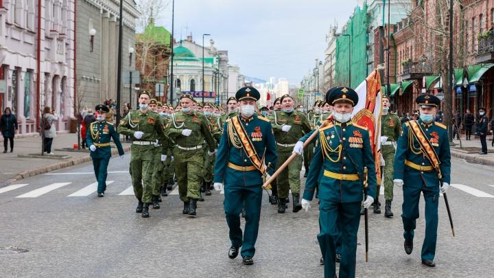 Трогательные кадры большого праздника: как Красноярск отметил годовщину Победы