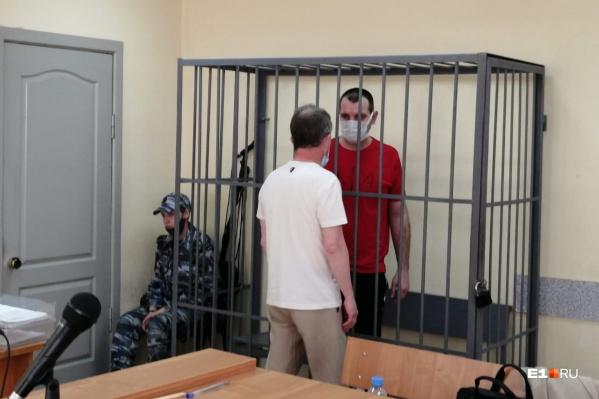 Щербаков беседует со своим адвокатом