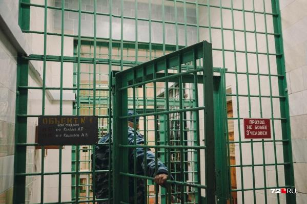 В пользу матери погибшего адвоката присудили 1,5 миллиона рублей в качестве компенсации морального вреда. Их должен выплатить мужчина, ранивший Андрея Ермолина