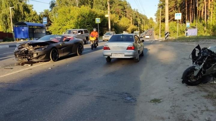 В Тольятти столкнулись мотоцикл и «Феррари»