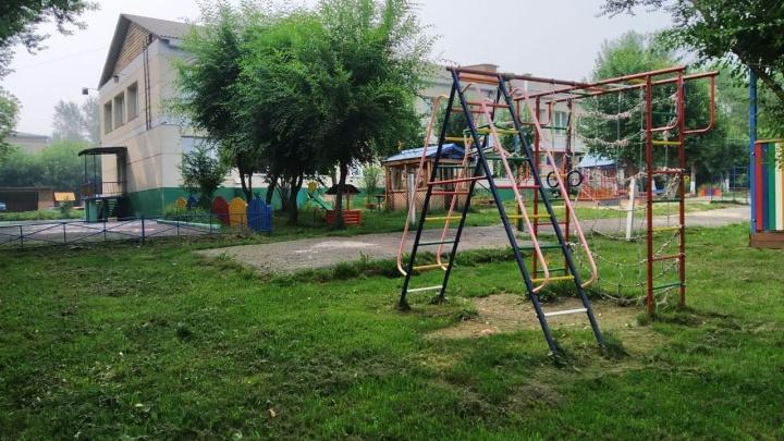 Прогулки в детских садах Красноярска из-за дыма пожаров сократили до 15–30 минут