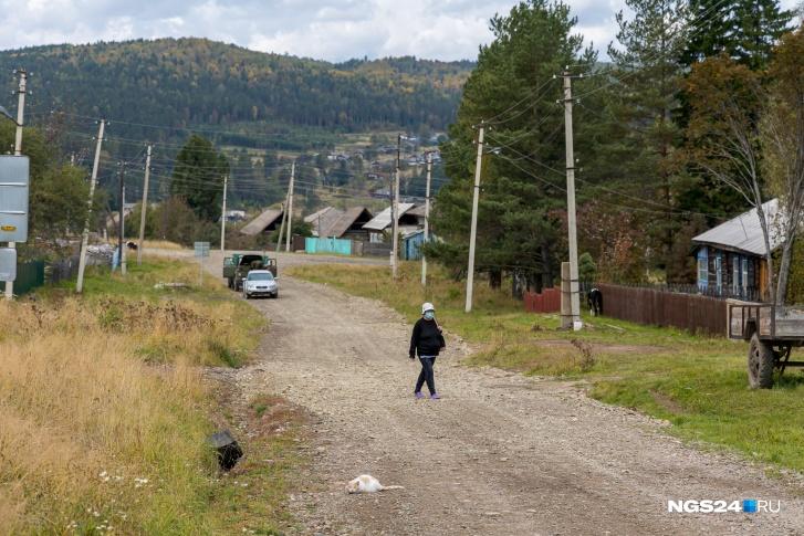 Работы в поселке нет, и, как часто это бывает, большую часть населения здесь составляют пенсионеры
