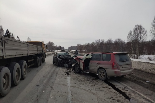 Авария произошла на трассе недалеко от села Дорогина Заимка