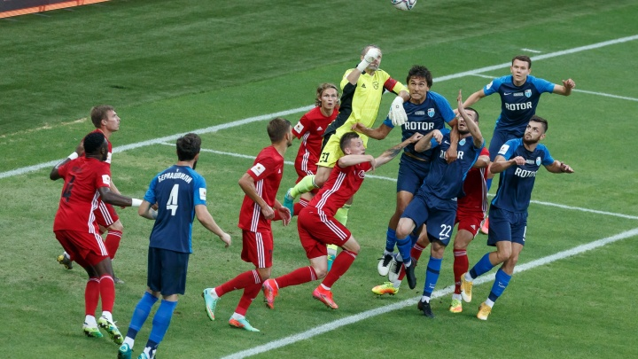 """«С таким """"Ротором"""" тема футбола для меня закрыта»: волгоградец считает, что футбольный клуб стремится пробить дно"""
