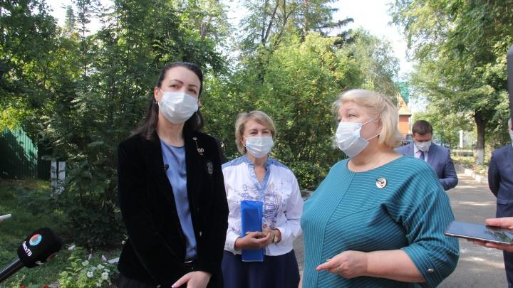 Мэр Омска проверила ремонт в 97-й школе, садике №5 и посетила стройку детсада в Ленинском округе