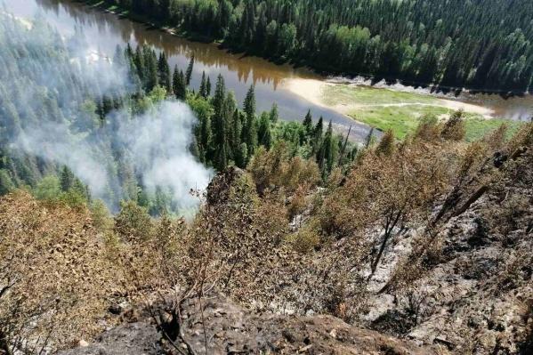 О пожаре сообщили в прошедшие выходные
