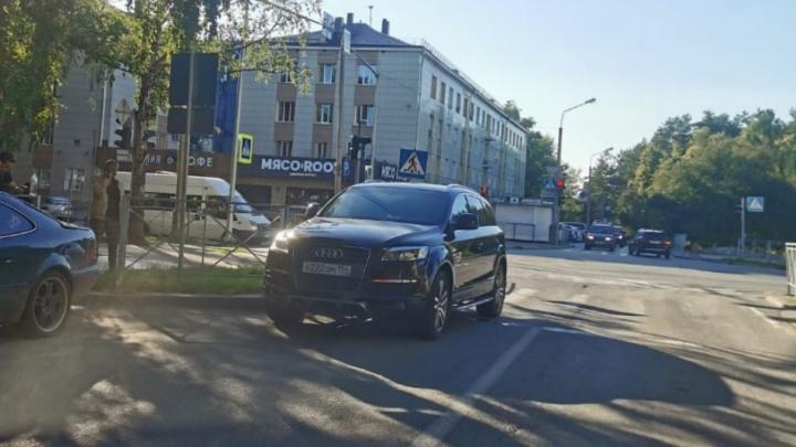 Изучаем цепь роковых событий, из-за которых огромная Audi Q7 сбила насмерть 5-летнего мальчика на самокате