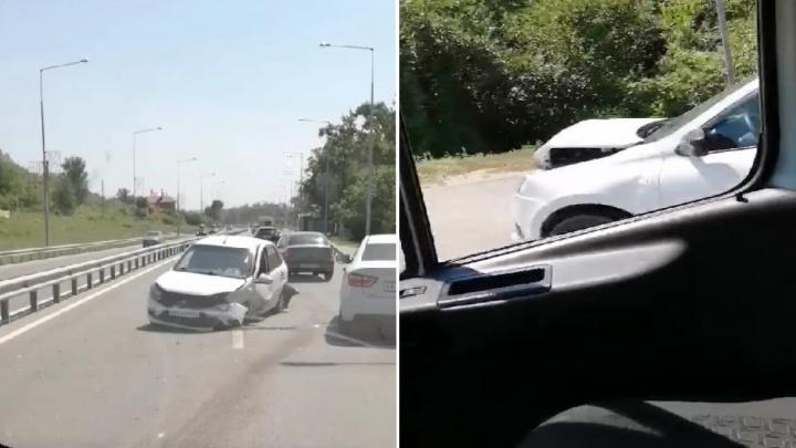 Паровозик на шоссе: появилось видео последствий ДТП на выезде из Самары