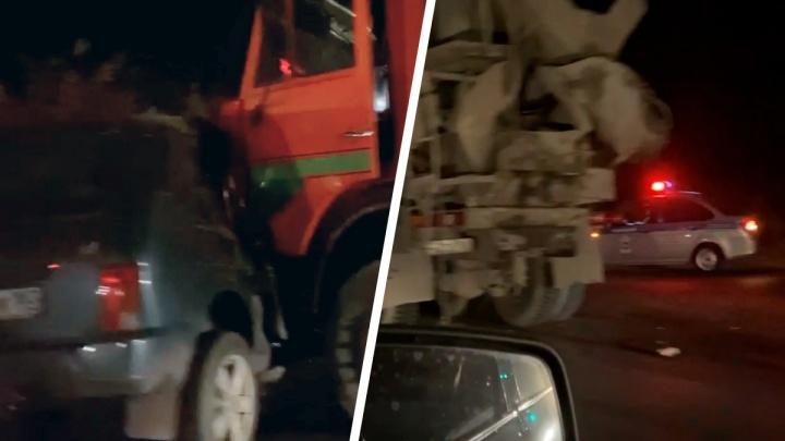 «Ниву» впечатало: появилось видео последствий смертельного ДТП на Ракитовском шоссе