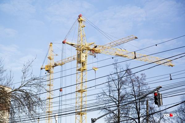 """Власти обещают, что новые дома <nobr class=""""_"""">в 13-м</nobr> микрорайоне будут не выше восьми этажей"""