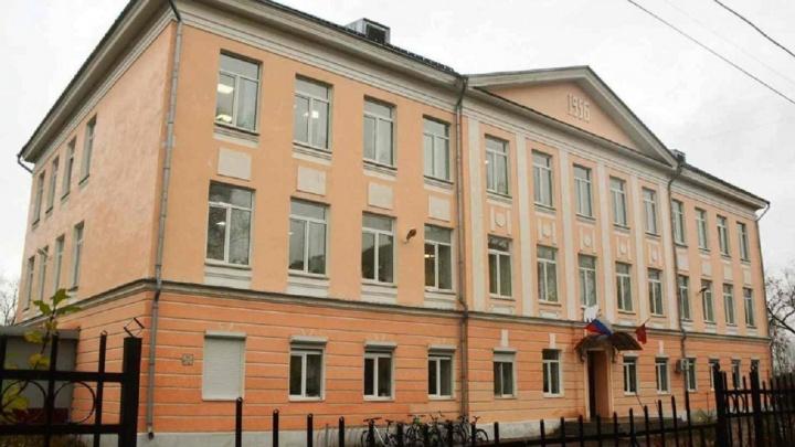 В пермской физико-математической школе № 146 новый директор — им назначили ее основателя