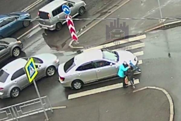 Водительница обняла женщину, которую сбила на «зебре»