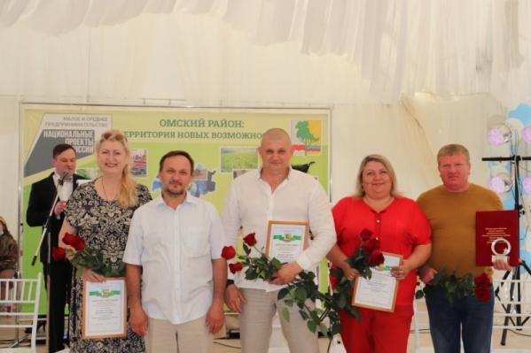 Участники были награждены дипломами, грамотами и подарками