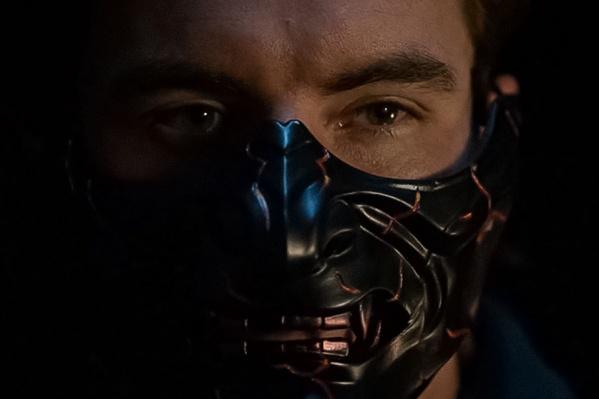 Омичу пришлось приложить немало усилий, чтобы увидеть свои маски на актерах