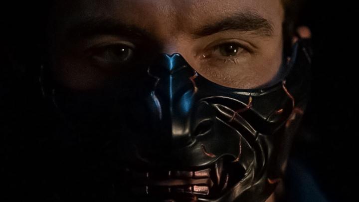 Омич за 1000 долларов сделал маски для сериала NETFLIX