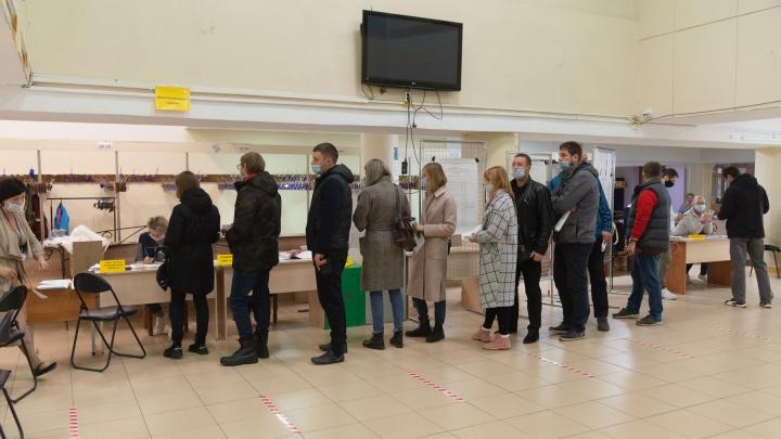 Почему на выборах в Архангельске с утра были очереди? Ответ избиркома региона