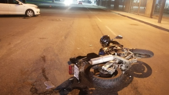 «Пилот в реанимации»: в Челябинске произошли две жесткие аварии с байками сразу после открытия мотосезона