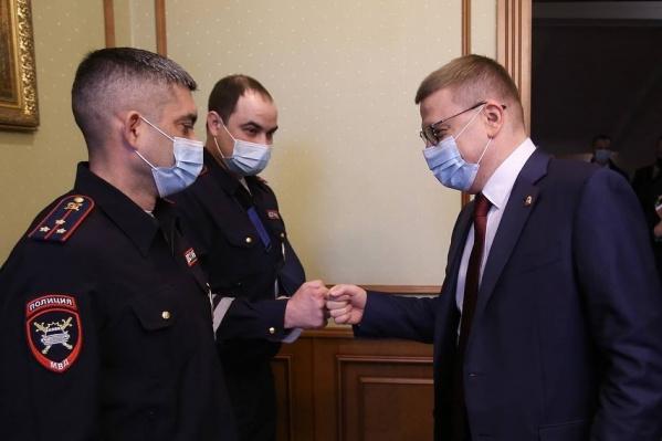 Алексей Текслер поблагодарил полицейских за храбрость