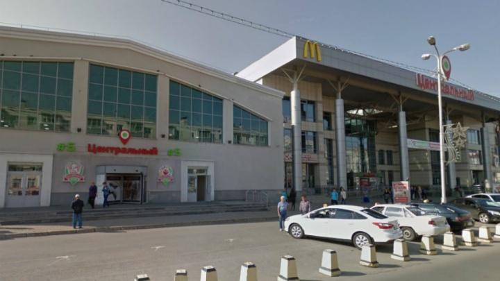 Парковка — всё: мэрия Уфы через суд потребовала демонтировать шлагбаумы уТК«Центральный»
