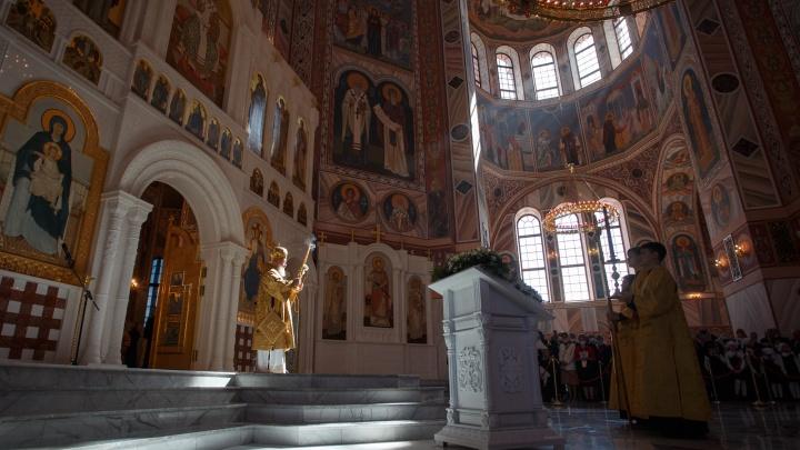 Пожалуйста, благословите нас: освящение храма Александра Невского в Волгограде. 28 лучших кадров